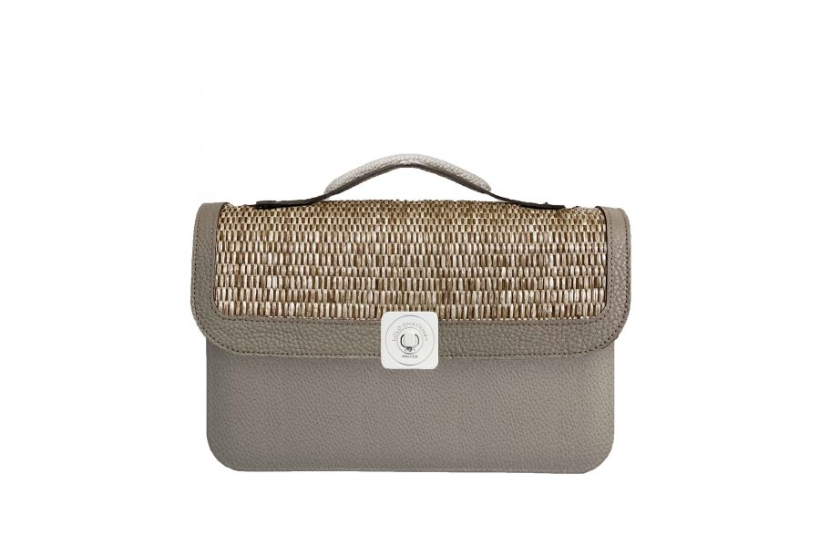 MIDDLE BASE Taupe - DREAM FLAP Taupe & Camel - HAND-CARRY HANDLE Taupe