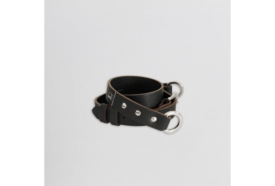 Shoulder strapbuckle 97, in Black bullcalf leather