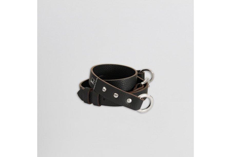 Shoulder strapbuckle 97, in Black bullcalf leather