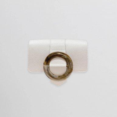 GUS BUCKLE FLAP - WHITE FULL-GRAIN & TAUPE RESIN & WHITE FULL-GRAIN & UNDERSIDE IN LEATHER FINISH
