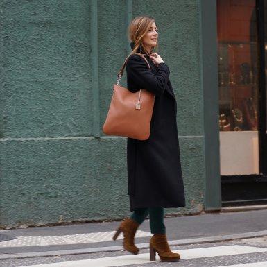 Large clutch bag: Camel bullcalf leather